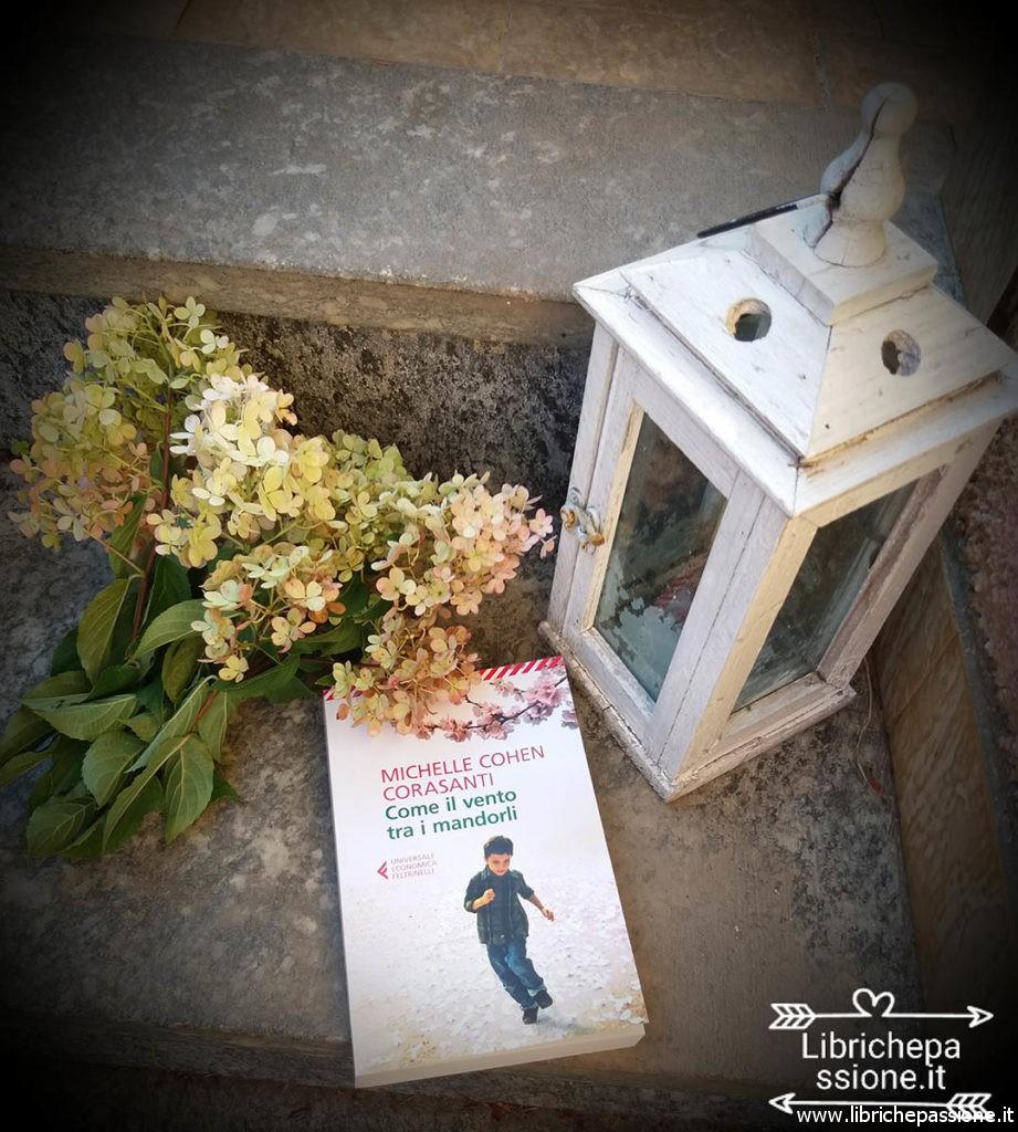 fotografia del libro come il vento tra i mandorli