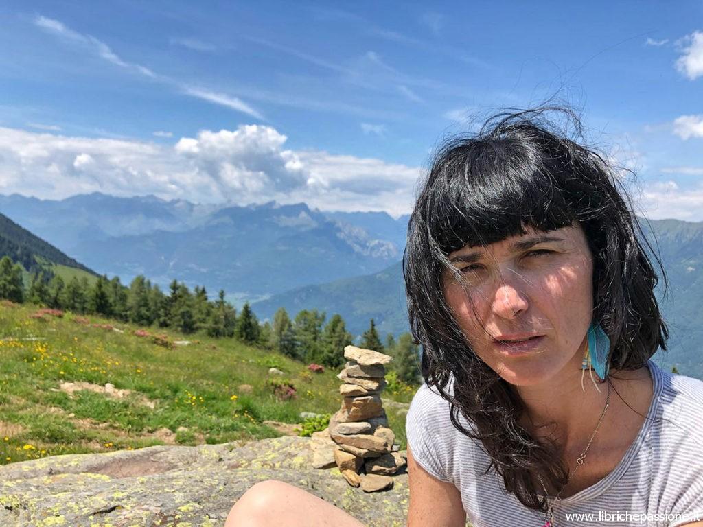 La scrittrice Eloisa Donadelli nella sua Valtellina