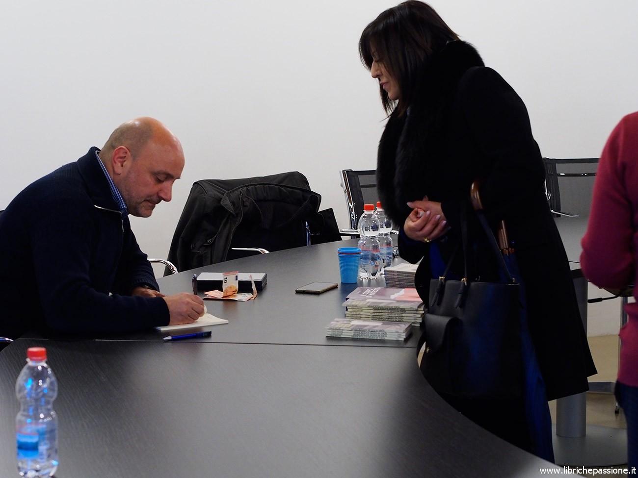 Incontro con il giornalista scrittore, Italo Arcuri presso la Sala Comunale di Marchirolo (VA)
