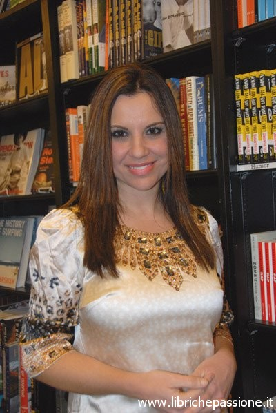 """Intervista alla scrittrice internazionale Jasmin Darznik autrice del romanzo """"Canto di una donna libera"""""""