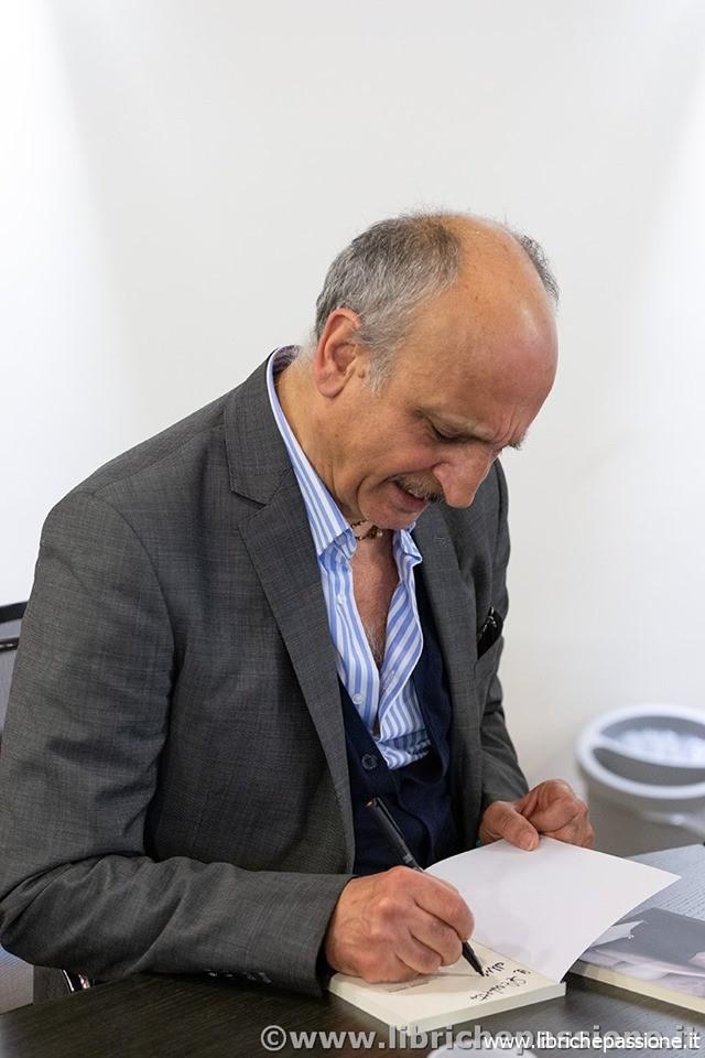 """Incontro con lo scrittore e poeta Enrico Inferrera autore del romanzo """"Vite bisestili"""""""