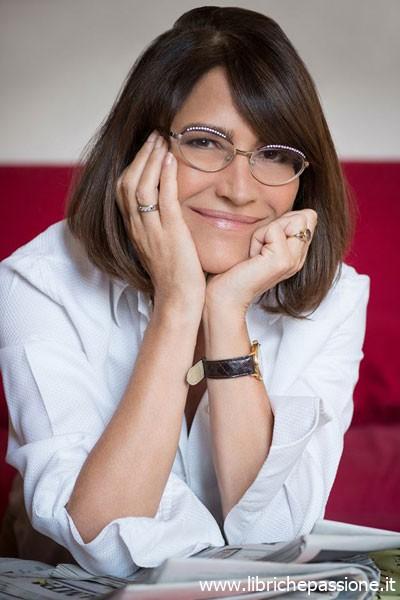 """""""Due chiacchiere con lo scrittore"""" con  Cinzia Leone, autrice del romanzo """"Ti rubo la vita""""  edito Mondadori"""
