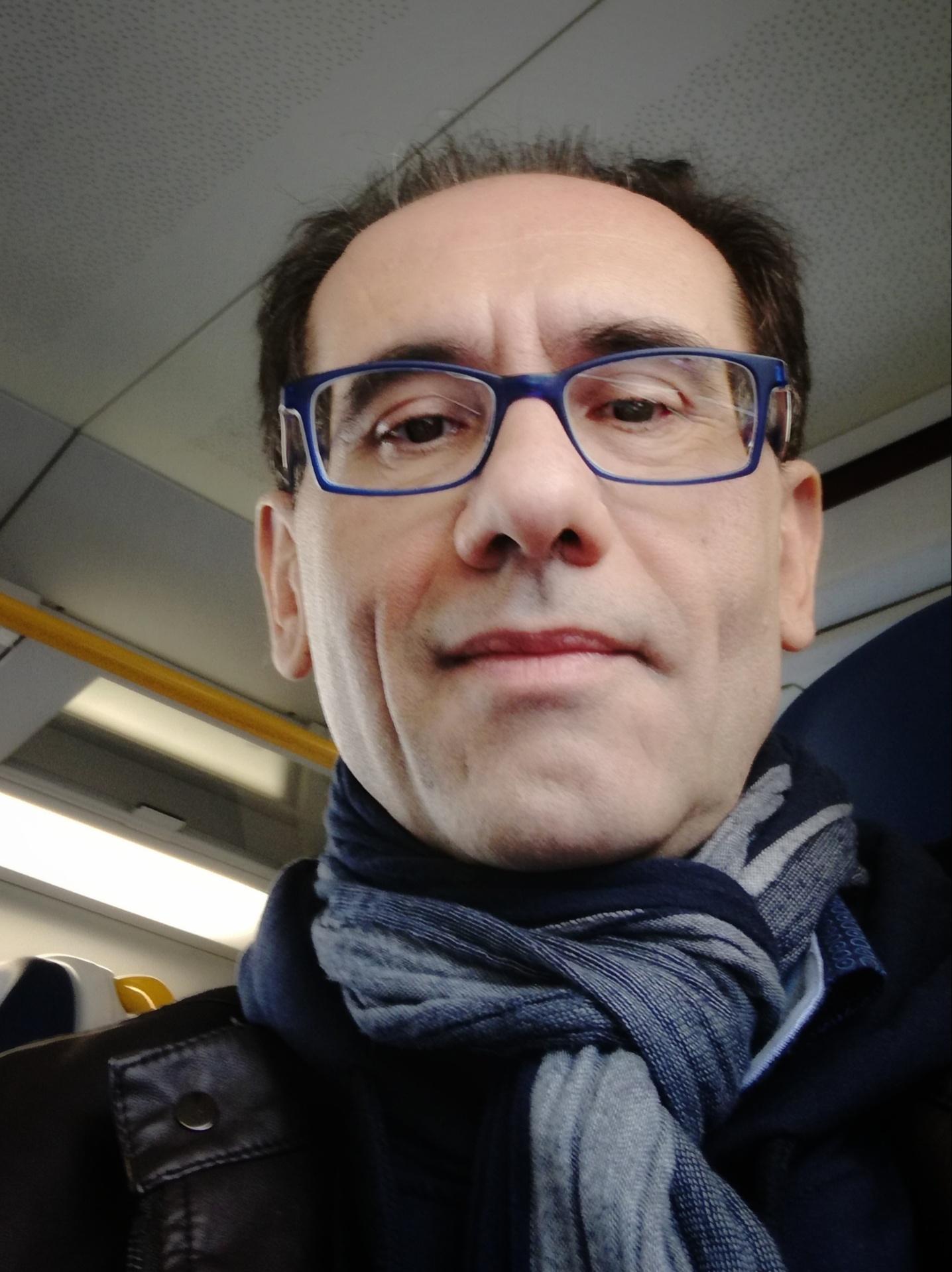 """""""Due chiacchiere con lo scrittore"""" con Antonio Maldera autore del romanzo """"L'ultimo giro del cielo""""."""