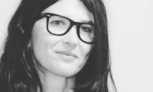 """A """"Due chiacchiere con lo scrittore"""" Eloisa Donadelli autrice del romanzo """"Ricordami nell'acqua"""" edito da Sperlig & Kupfer"""