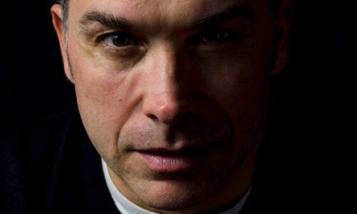 """""""Due chiacchiere con lo scrittore"""" con Marco Antonio  Abbagnara autore del romanzo thriller """"Requiem"""" edito da Place Book"""